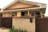 Villino capo schiera in vendita, Infernetto, Via Monguelfo a  per 279000